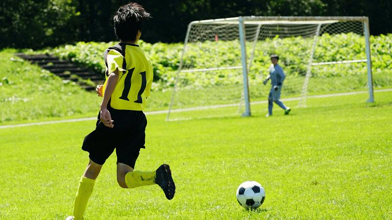 習い事-サッカー-クロス
